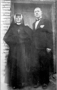 Święta s. Faustyna z bratem Stanisławem – 1935 r.